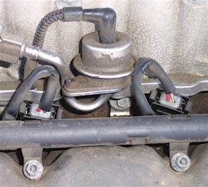 hyundai check engine light fuel pressure regulator